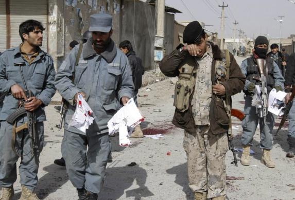 ادامه درگیری در قندهار؛ ۳۷ غیرنظامی و ۹ مهاجم کشته شدهاند