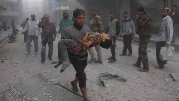 حمله روسیه به بازار و مرکز بهداشتی در حلب، 27 کشته و زخمی بر جا گذاشت
