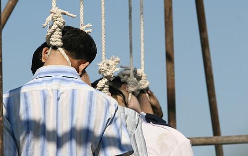 عفو بین الملل: دهها مجرم زیر ۱۸ سال در ایران منتظر اعدام هستند