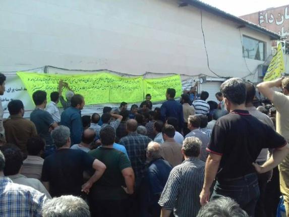اعتصاب رانندگان حمل و نقل پایانه ی بندرعباس