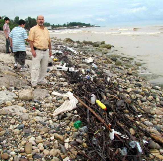 زبالهها در ساحل مازندران / تصویری