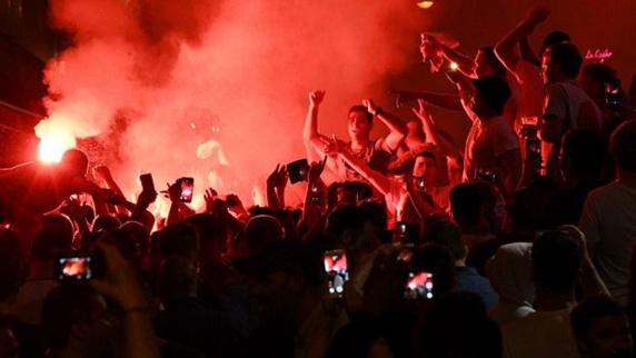 درگیری میان تماشاگران انگلیسی و روسی بعد از تساوی دو تیم