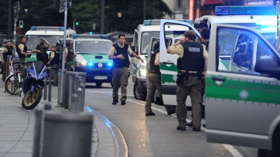 عامل تیراندازی در مونیخ: یک جوان ۱۸ ساله ایرانی-آلمانی