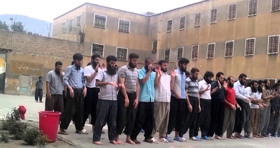 """غارت وسایل زندانیان سنی مذهب اعدام شده با عنوان """"غنیمت جنگی"""""""