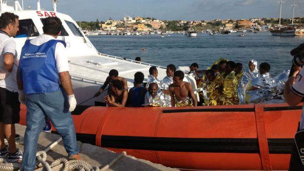 نجات چند هزار مهاجر در آب های مدیترانه