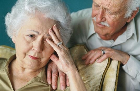 افراد مسن به چند ساعت خواب در شبانه روز نیاز دارند؟