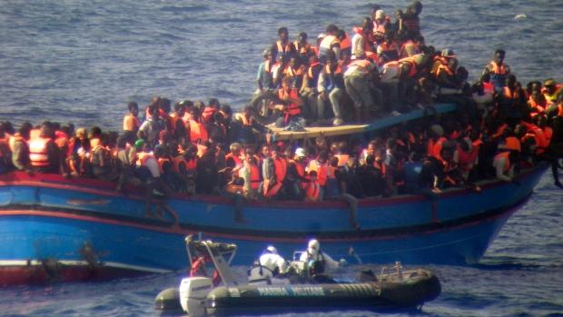 نجات ۲۳۰۰ پناهجو در یک روز از آبهای مدیترانه