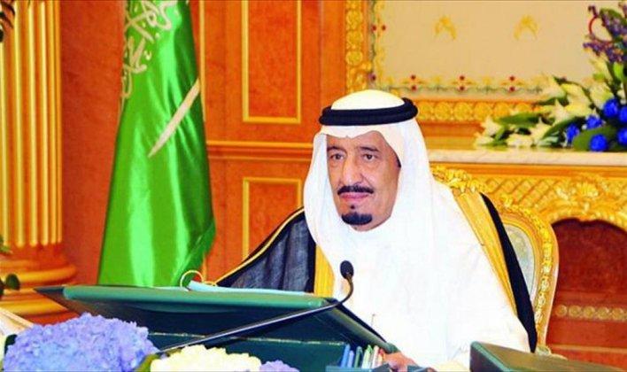 پادشاه عربستان سعودی: حج نباید به ابزاری برای اهداف سیاسی تبدیل شود