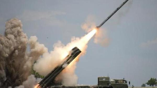 منهدم شدن موشک بالستیک شبه نظامیان حوثی ها در آسمان مأرب توسط ائتلاف