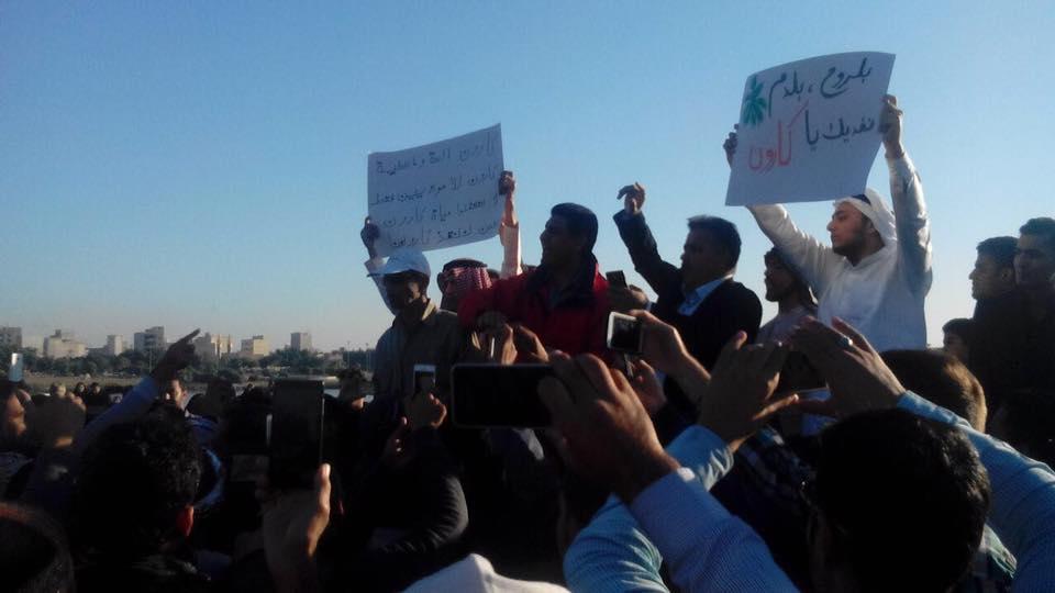 تظاهرات هزاران تن ازمردم احواز نسبت به غارت آب رودخانه کارون