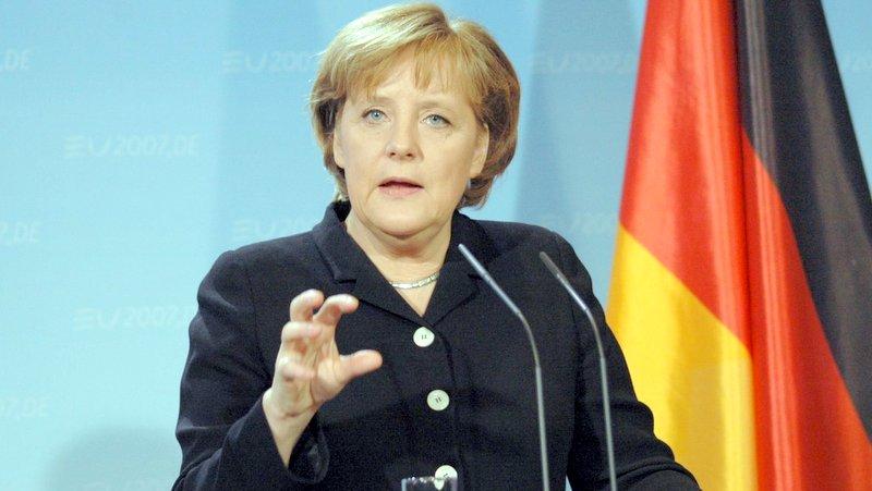 صدر اعظم آلمان: اسلام دین صلح است و ربطی به تروریسم ندارد