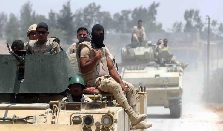 ارتش مصر به پایگاه افراطگرایان در جبل الحلال سیناء حمله کرد