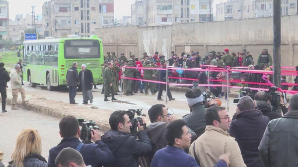 کوچ اجباری مردم منطقه قابون واقع در شرق دمشق