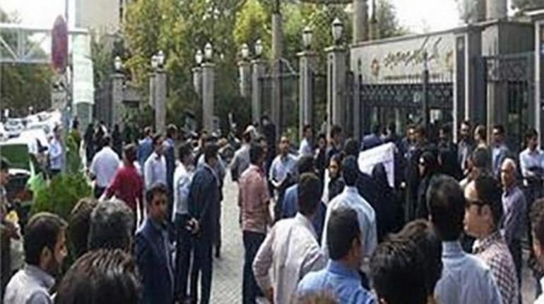 اعتراضات غارت شدگان مؤسسات حکومتی وابسته به سپاه پاسداران ایران
