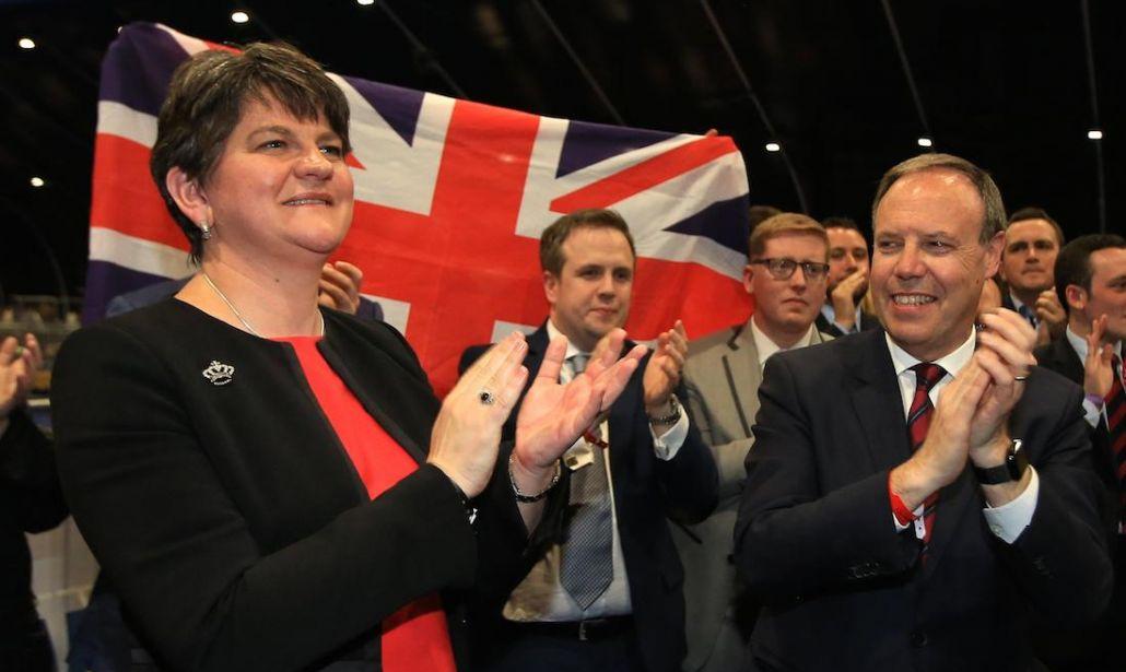 ترزا می با حمایت حزب وحدت گرای ایرلند شمالی دولت جدید تشکیل میدهد