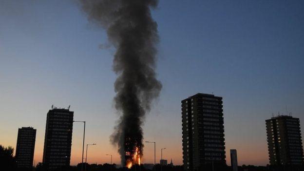 آتشسوزی در برج 27 طبقه در لندن + تصاویر