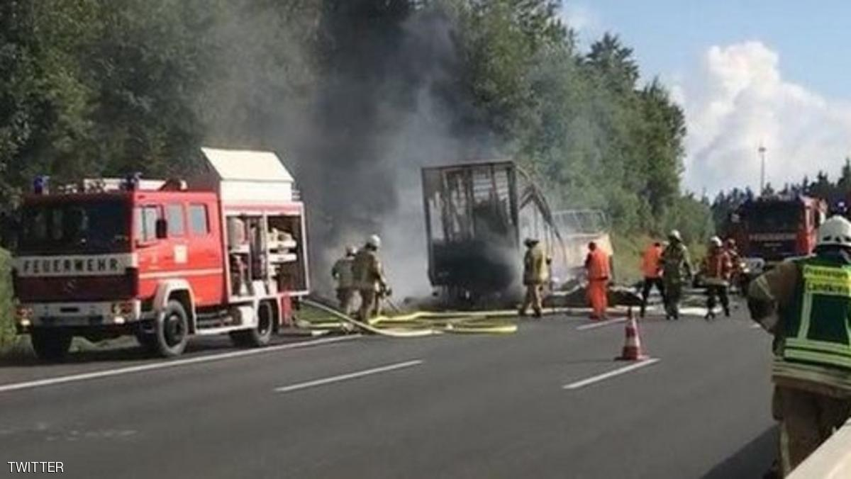 آتش گرفتن اتوبوس گردشگری در آلمان