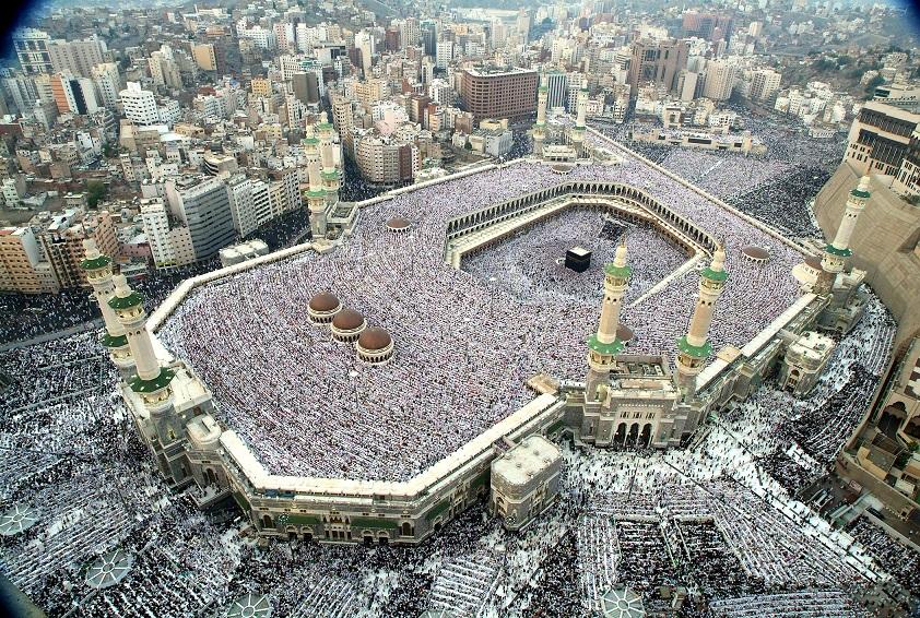 امیر مکه مکرمه: حج عبادتی فرهنگی است، نه سیاسی