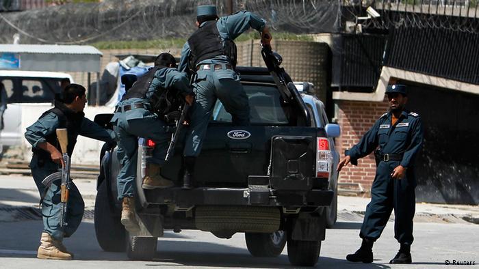 بازداشت یک مهاجم انتحاری ایرانی تبار در غرب افغانستان
