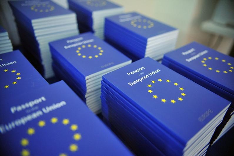 """درآمد میلیاردی قبرس از """"فروش پاسپورت اتحادیه اروپا"""""""