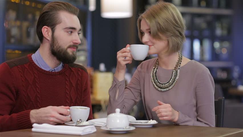 مصرف قهوه به مقدار 3 تا 4 فنجان در روز مفید است