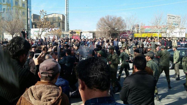 هشدار وزیر کشور ایران به معترضان: برای خودتان زحمت درست نکنید