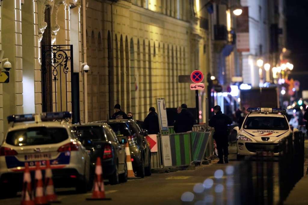 سرقت میلیونهای یورو جواهر از جواهر فروشی در پاریس