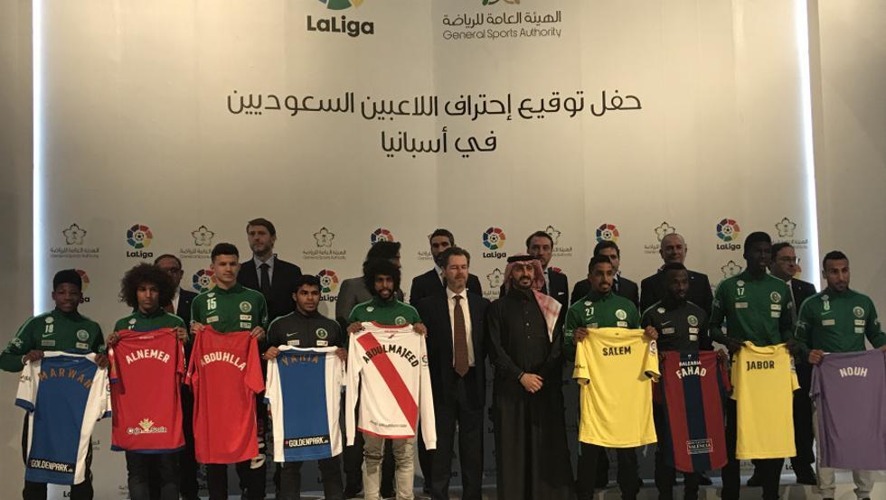 فوتبال سعودی صاحب 9 لژیونر اروپایی شد!