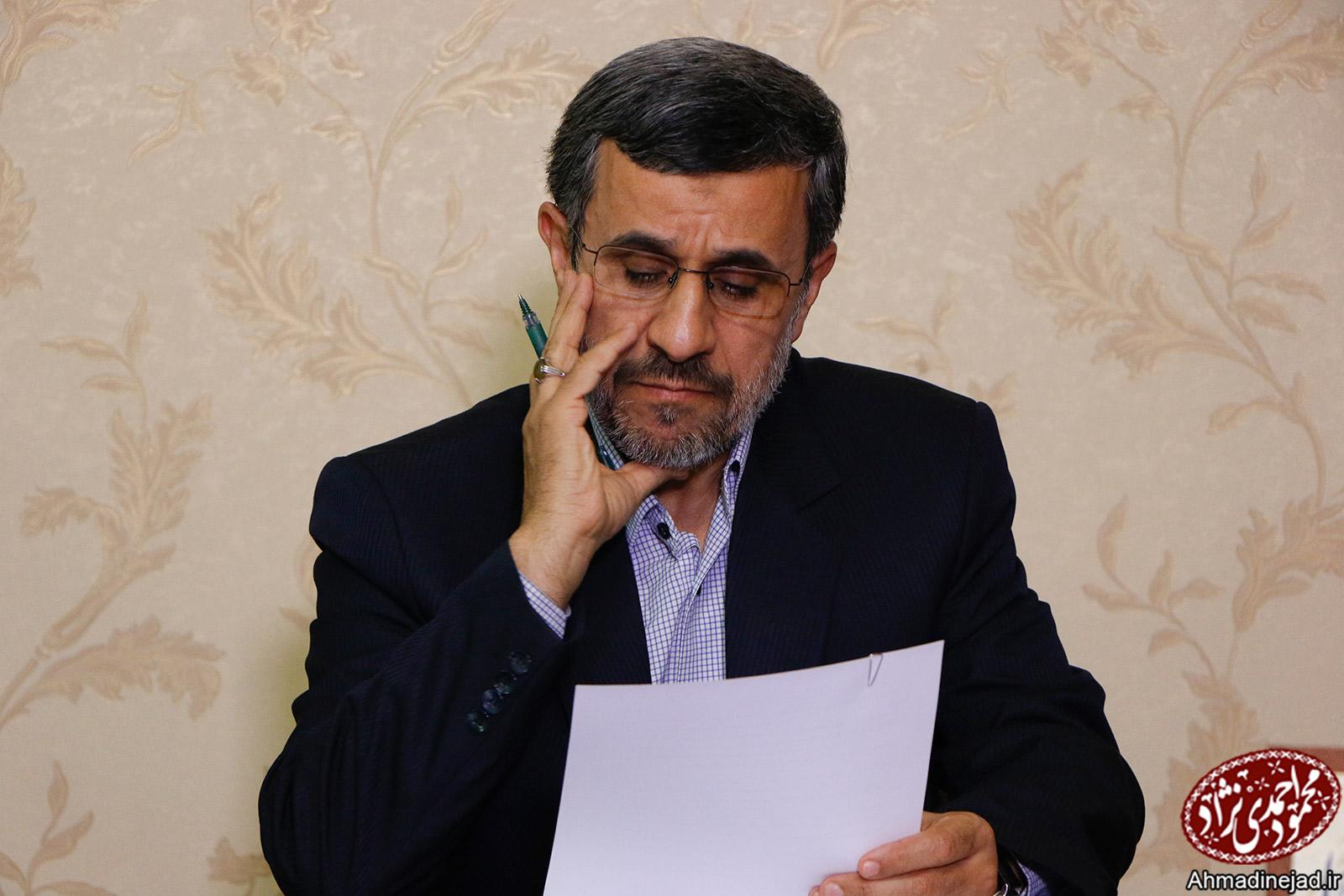 """هشدار احمدینژاد به خامنهای نسبت به خطر براندازی نظام """"جمهوری اسلامی"""""""
