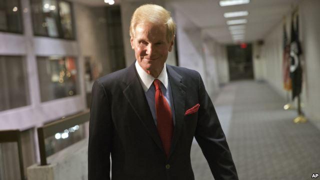 سناتور آمریکایی برای یافتن لوینسون حاضر است ایران برود