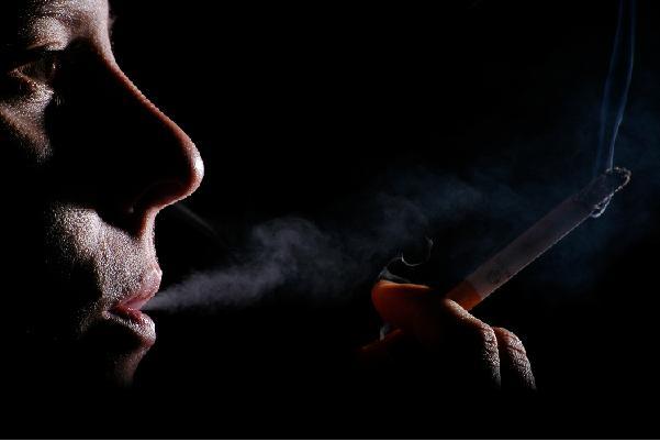 افزایش مالیات سیگار میلیون ها نفر را نجات می دهد