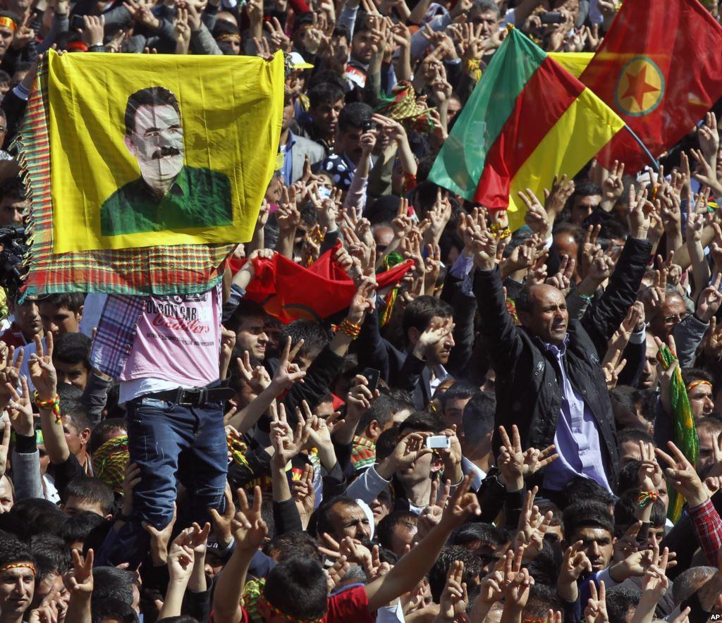 تظاهرات کردهای ترکیه در سالگرد دستگیری اوجالان