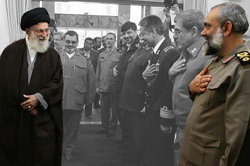 فرمانده بسیج : اتحادیه اروپا از چارپایان بدتر است/ شما غلط میکنید که در ایران دفتر بزنید