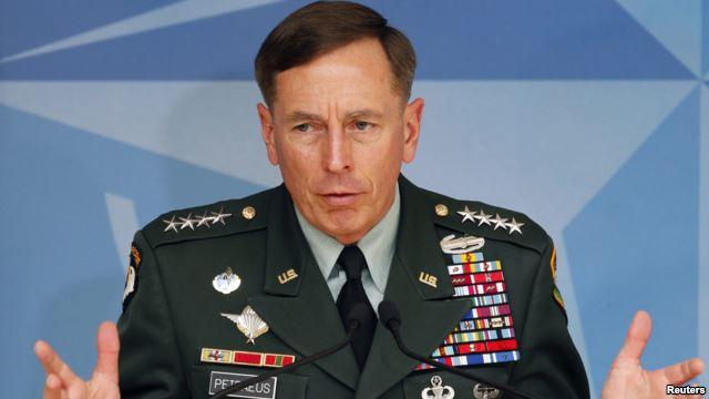 جنرال پتریوس: برچیدن تحریم ها توانایی نفوذ بدخیم ایران در کشورهای عربی را تقویت می کند.
