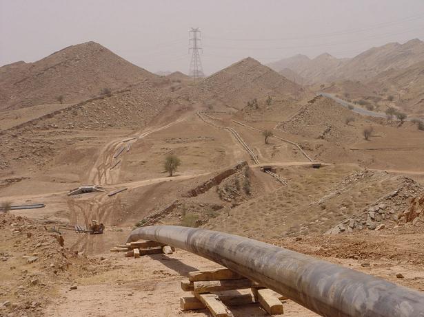 آلودگی شدید محیط زیست در پی شکسته شدن لوله های نفت در منطقه گچساران