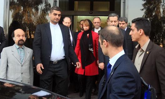 «برخورد مسئولان نیروی انتظامی ایران با محافظ کاترین اشتون در اصفهان»