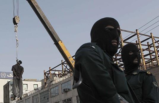 رژیم ولی فقیه ۵ زندانی سنی مذهب بلوچ را به دار آویخت