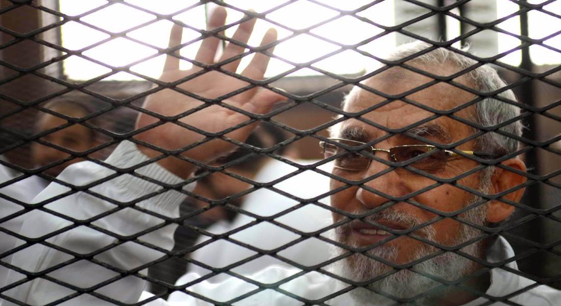 دادگاه رهبر اخوان المسلمین و ٦٨٢ تن دیگر را به اعدام محکوم کرد+گفتگوی دکتر حسن هاشمیان با رادیو فرانسه