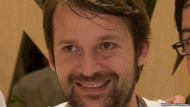 رنه ردزپی، سرآشپز معروف دانمارکی که رستورانش برای چهار سال لقب بهترین رستوران دنبا را از آن خود کرده است. آقای ردزپی ۳۷ سال دارد و بخشی از کودکی خود را در کشور مقدونیه گذرانده است. رستوران نوما در وبسایت «تریپادوایزر» از بین ۶۹۵ رای ۴۹۱ رای «عالی» و ۲۶ رای افتضاح دریافت کرده است