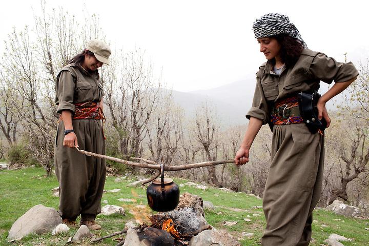 """رهبران حزب حیات آزاد کردستان  """"پژاک"""" خواستار گفتگو با مقامات ایرانی شدند"""