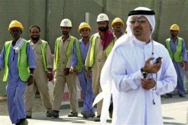 قطر سیستم کفالتی برای کارگران خارجی را لغو می کند
