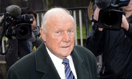 مجری سابق بیبیسی به اتهام تعرض گناهکار شناخته شد