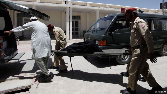 دهها تن از زائران شیعه پاکستانی در راه بازگشت از زیارت قبر خمینی کشته شدند