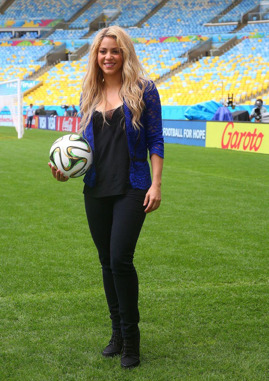 شکیرا خواننده لبنانی تبار برای سومین بار متوالی در جام جهانی می خواند+عکس