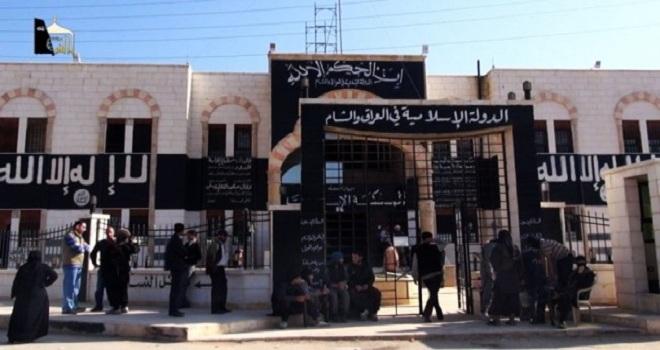 """دو زن نگونبخت توسط """"داعش"""" در شمال سوریه تا حد مرگ سنگسار شدند"""