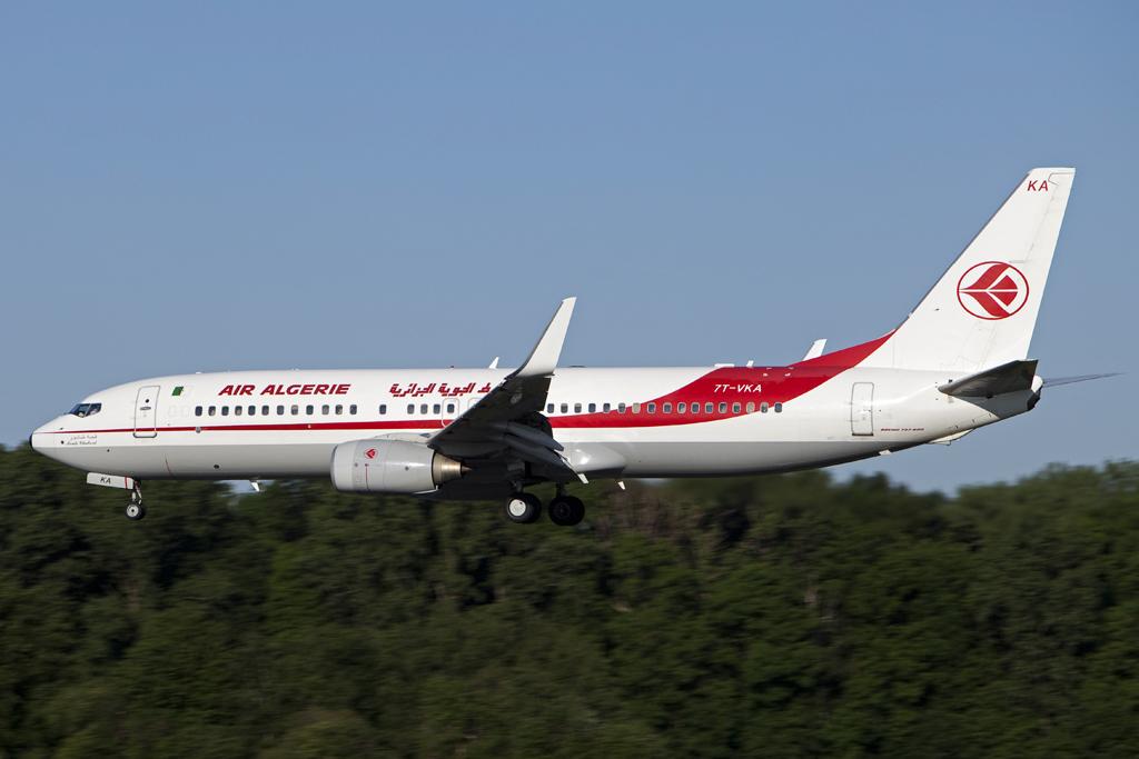 یک هواپیمای مسافربری الجزائر با 110 سرنشین در آسمان بورکینا فاسو ناپدید شد