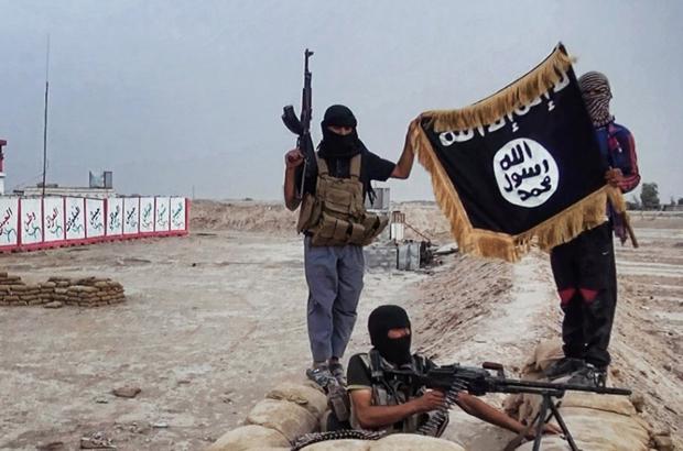 """شبکه تلویزیونی التغییر مدعی به اهتزاز در آمدن پرچم دولت اسلامی""""داعش"""" در ایران شد"""