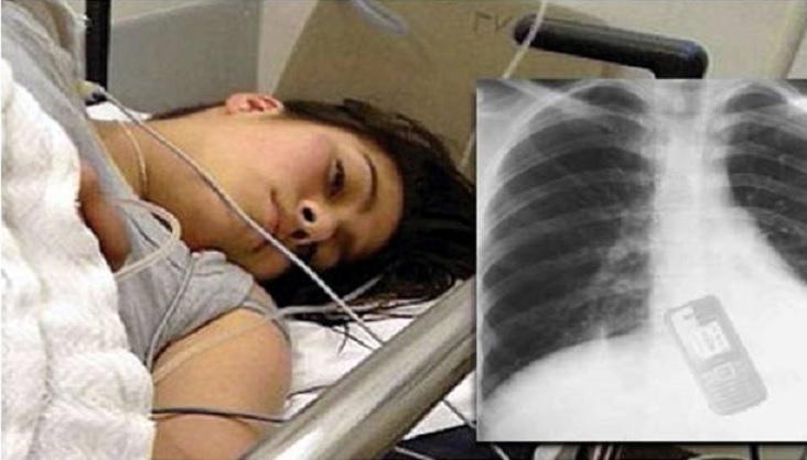 دختر برزیلی از ترس آبرو ریزی موبایلش را غورت داد