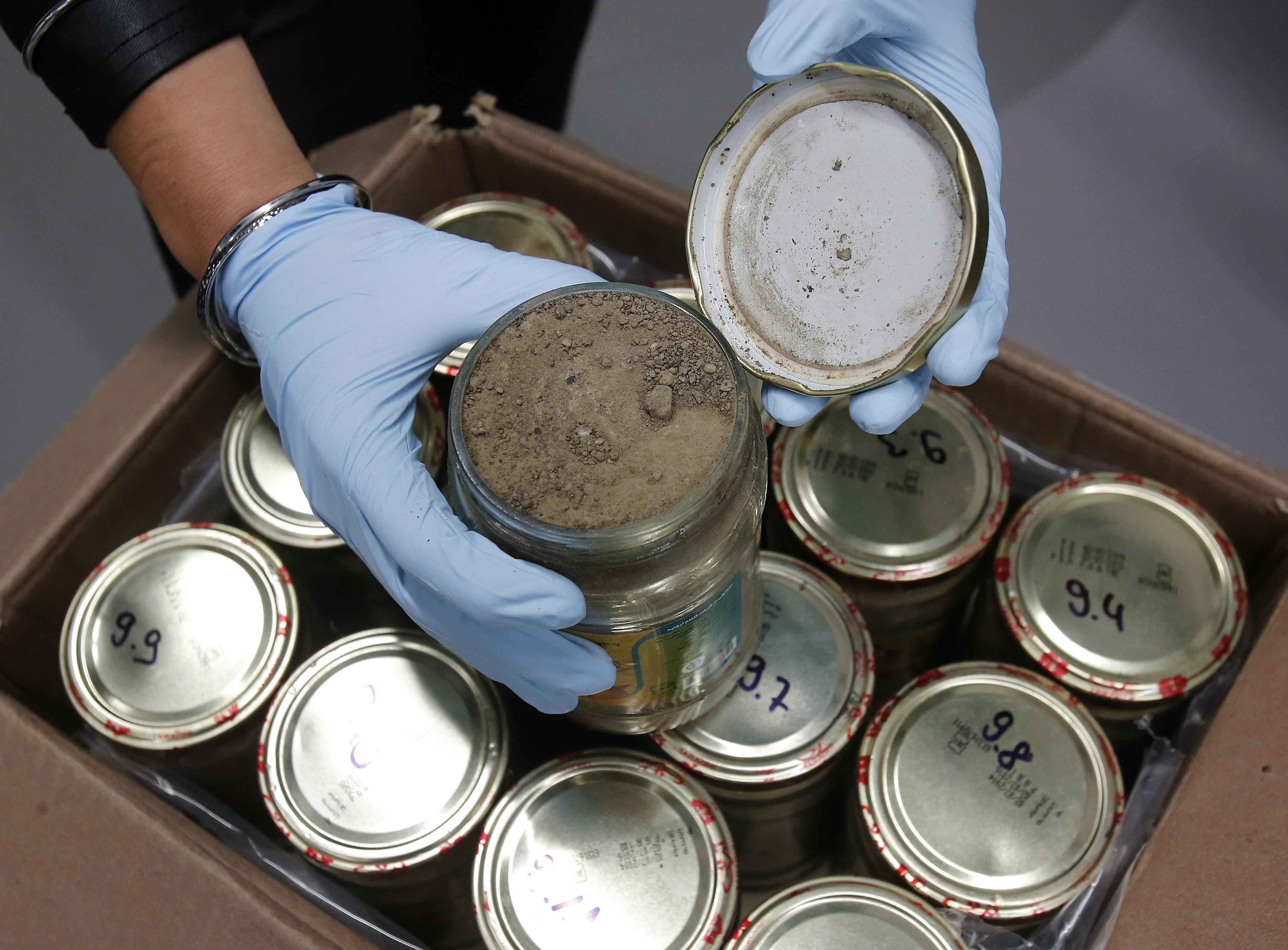 کشف 330 کیلو هروئین داخل ظروف خیارشور صادراتی رژیم ایران به آلمان+عکس