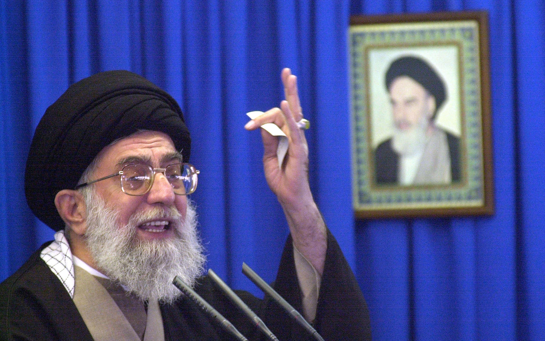 انتشار فتواهای جدید خامنهای؛ گزارش ظلم مسوولان به مردم حرام است